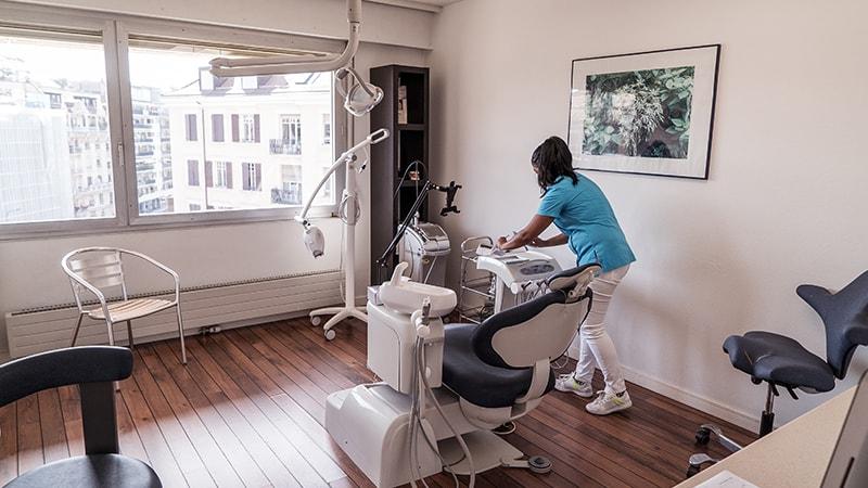 Clinique-Dentaire-Geneve_Couronnes-&-ponts02